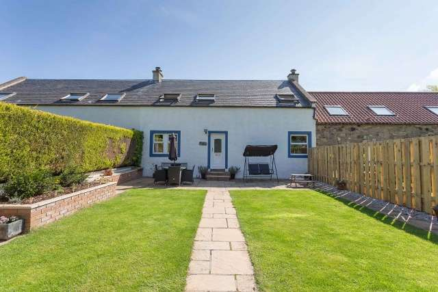 3 Bedrooms Farm House Character Property for sale in Buxley Farm Steading, Tranent, East Lothian, EH33 2NG