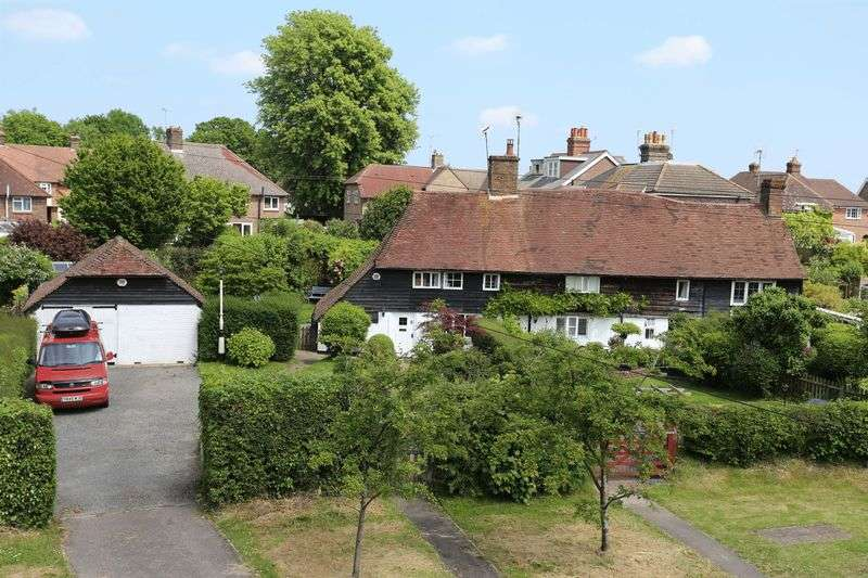 2 Bedrooms Terraced House for sale in Whitemans Green, Cuckfield