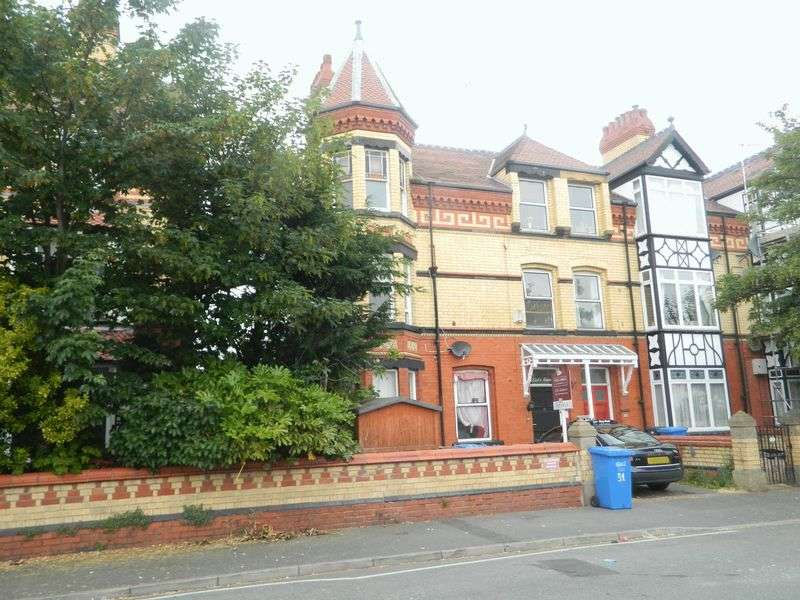 2 Bedrooms Flat for sale in Seabank Road, Rhyl