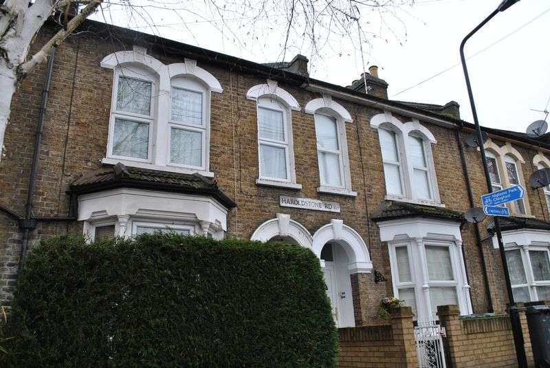 2 Bedrooms Flat for sale in Haroldstone Road, Walthamstow, E17