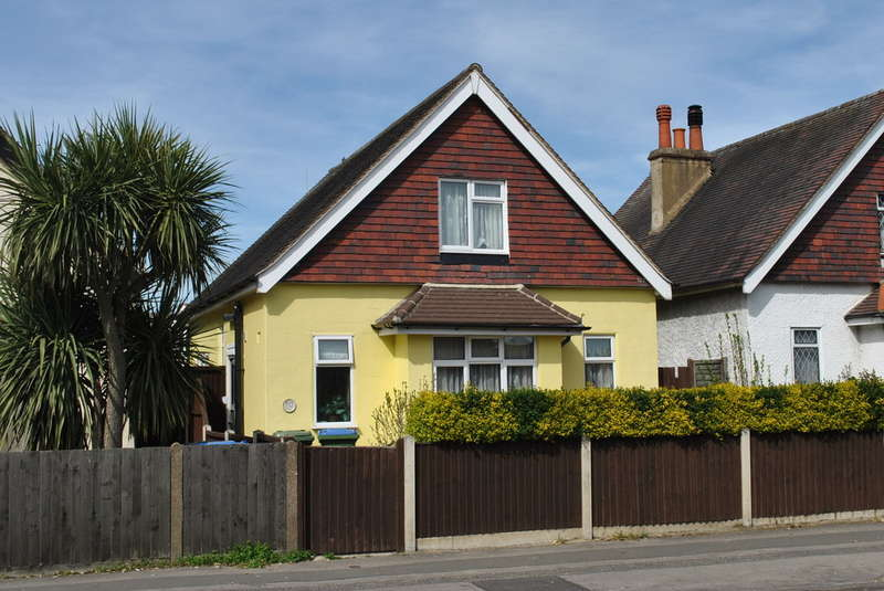 2 Bedrooms Detached House for sale in West Molesey