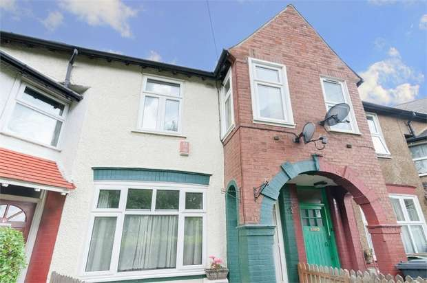 3 Bedrooms Terraced House for sale in Thorpe Crescent, Walthamstow, London