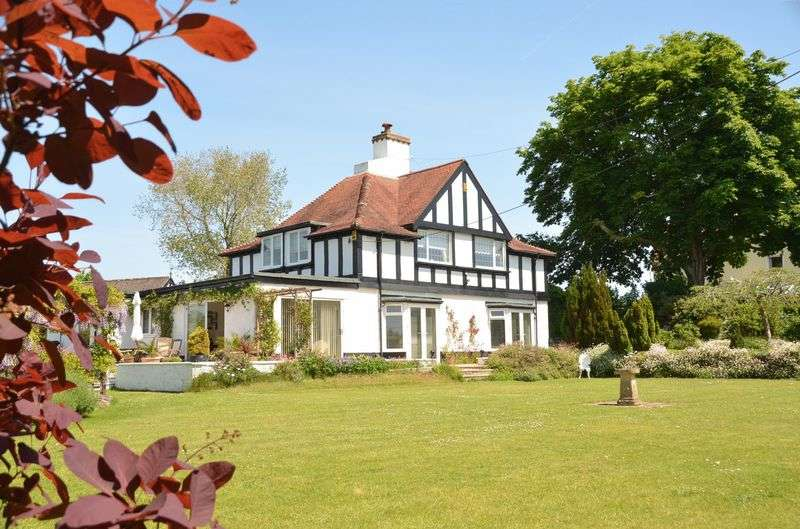 4 Bedrooms House for sale in GREENWAY ROAD, GALMPTON.