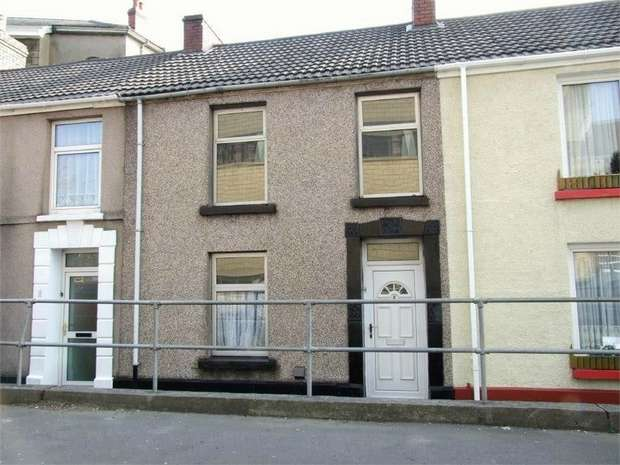 3 Bedrooms Terraced House for sale in Old Castle Road, Llanelli, Carmarthenshire