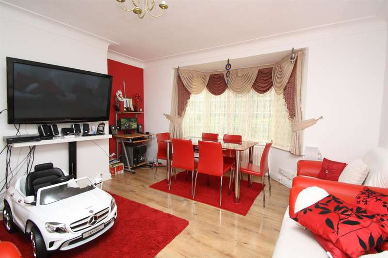 3 Bedrooms Property for sale in Crestbrook Place, Green Lanes, London N13