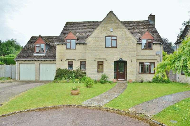5 Bedrooms Detached House for sale in Keble Lawns, Fairford, Gloucestershire.