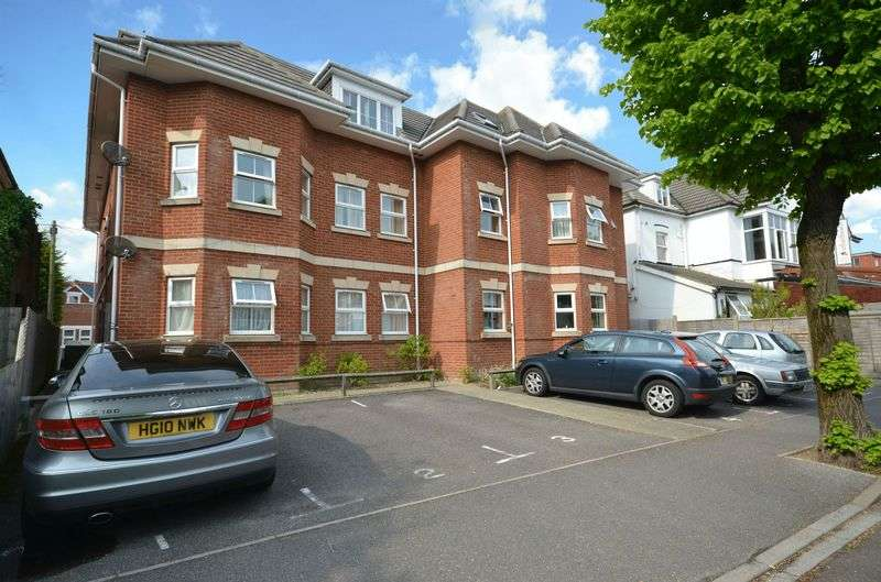 2 Bedrooms Flat for sale in Argyll Road, Bournemouth