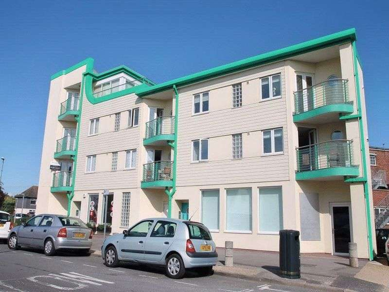 1 Bedroom Flat for sale in Milvil Road, Lee on the Solent, PO13