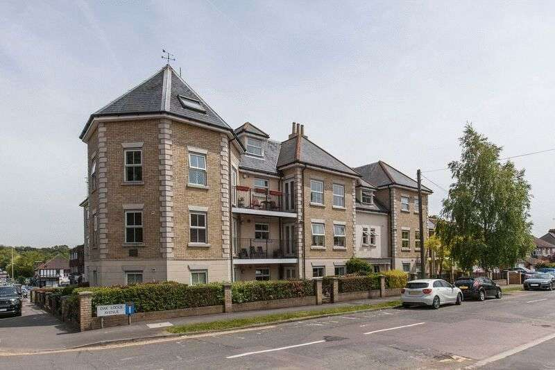 3 Bedrooms Flat for sale in Manor Road, Chigwell