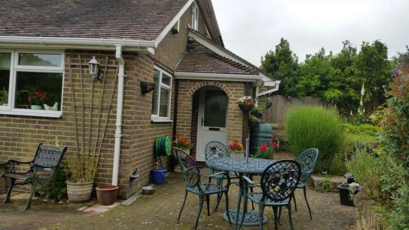 4 Bedrooms Semi Detached House for sale in Old Brighton Road, Lewes