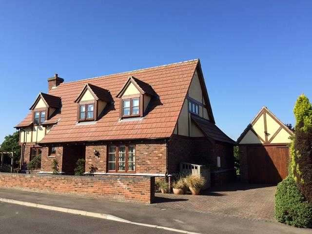 3 Bedrooms Detached House for sale in St Marys Close, Hogsthorpe, Skegness