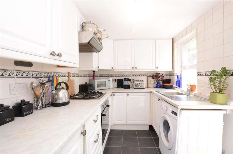 3 Bedrooms Terraced House for sale in Whichelo Place, Hanover, East Sussex