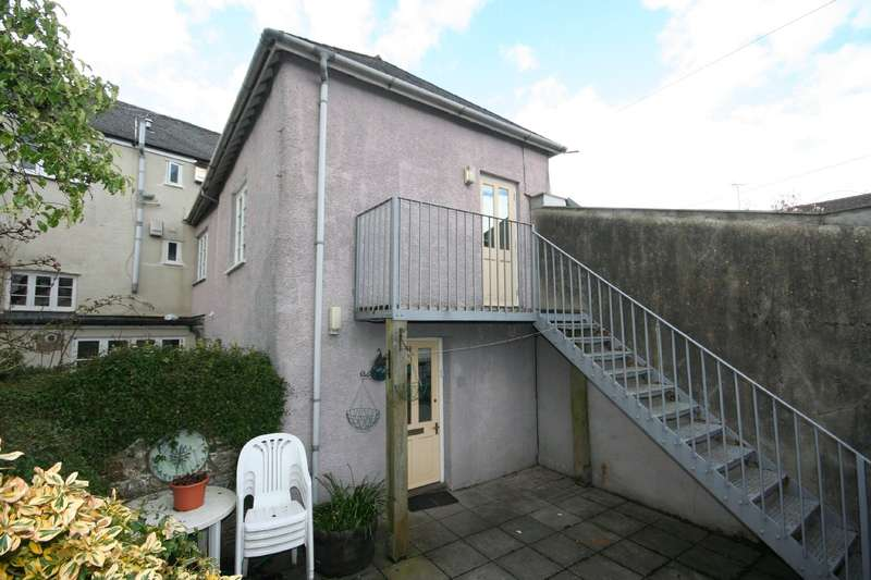 2 Bedrooms House for sale in Sundial Cottage, Somerset Place, Totnes
