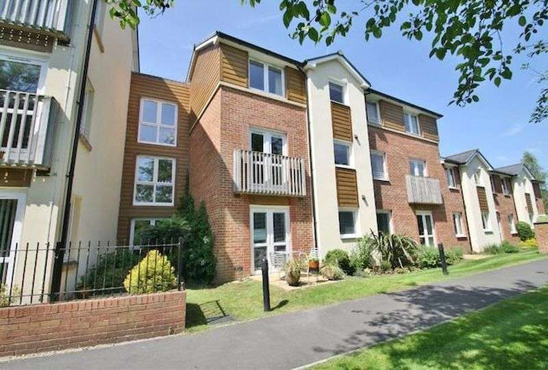 1 Bedroom Flat for sale in Kings Meadow Court, Lydney,: Stunning One bed first floor retirement apartment