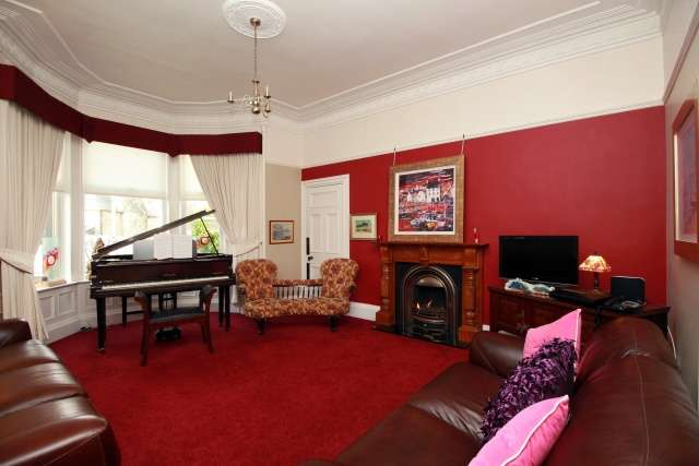 4 Bedrooms Semi Detached House for sale in Durie Street, Leven, Fife, KY8 4HA