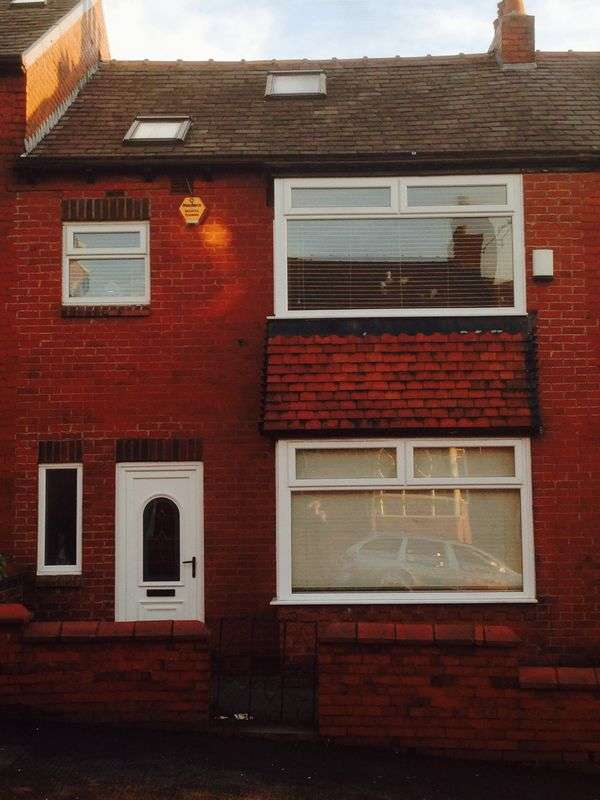 3 Bedrooms Terraced House for sale in Keble Avenue, Coppice, Oldham