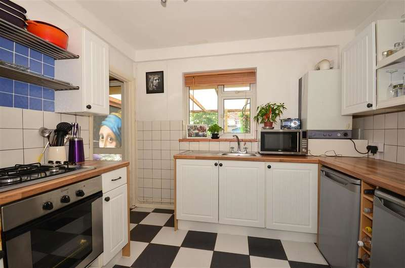 3 Bedrooms Terraced House for sale in Longshaw, Leatherhead, Surrey