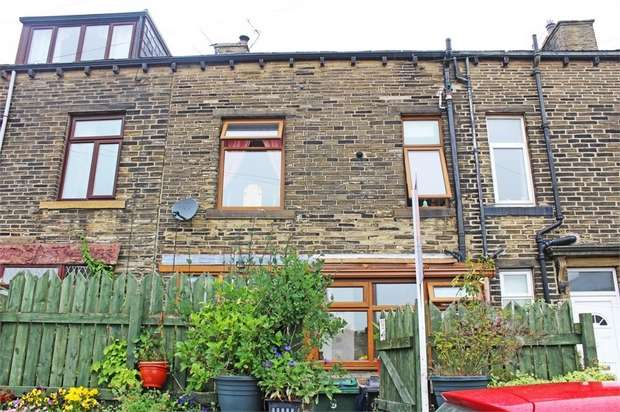 3 Bedrooms Terraced House for sale in Fountain Street, Queensbury, Bradford, West Yorkshire