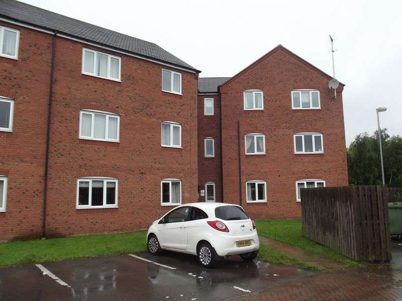 3 Bedrooms Flat for sale in Hobby Way, Heath Hayes