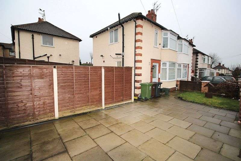3 Bedrooms Semi Detached House for sale in Burnie Avenue, Bootle