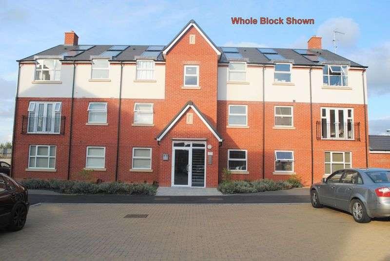 2 Bedrooms Flat for sale in Tyne Way, Rushden