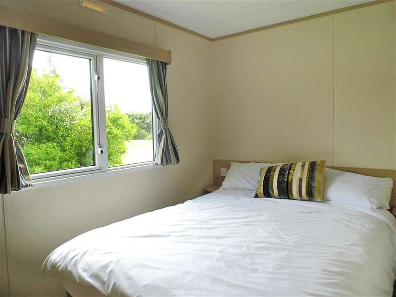 3 Bedrooms Park Home Mobile Home for sale in Reach Road, St. Margarets-At-Cliffe, Dover, Kent
