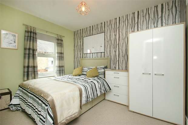 1 Bedroom Flat for sale in Salisbury Terrace