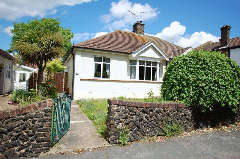 2 Bedrooms Semi Detached Bungalow for sale in Grays