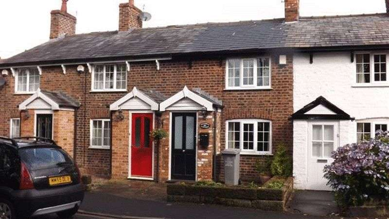 2 Bedrooms Terraced House for sale in Bankhall Lane, Hale