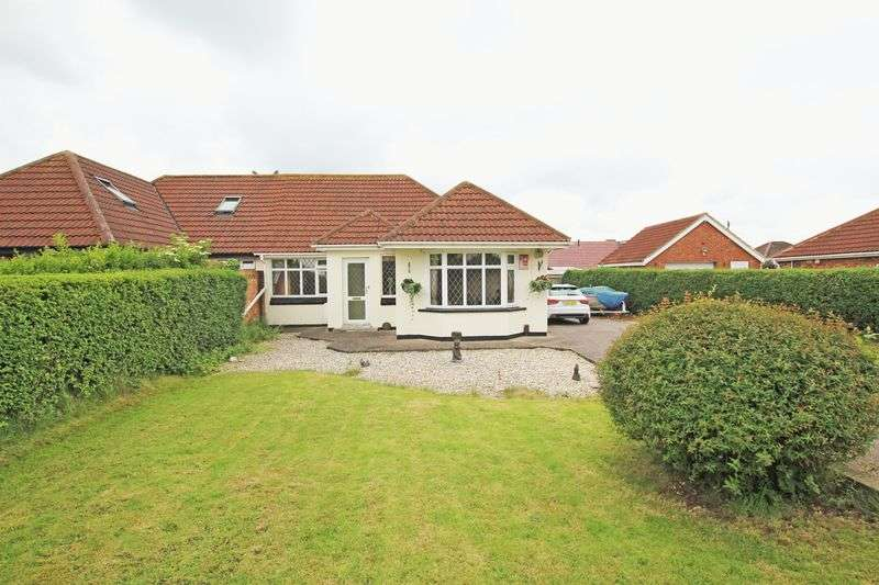 3 Bedrooms Semi Detached Bungalow for sale in CHURCH AVENUE, HUMBERSTON