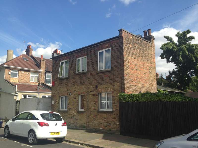 2 Bedrooms House for sale in Crouch Road, London