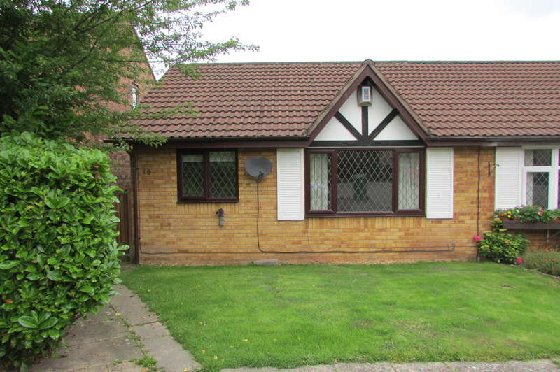 2 Bedrooms Semi Detached Bungalow for sale in Cloverdale, Northwich
