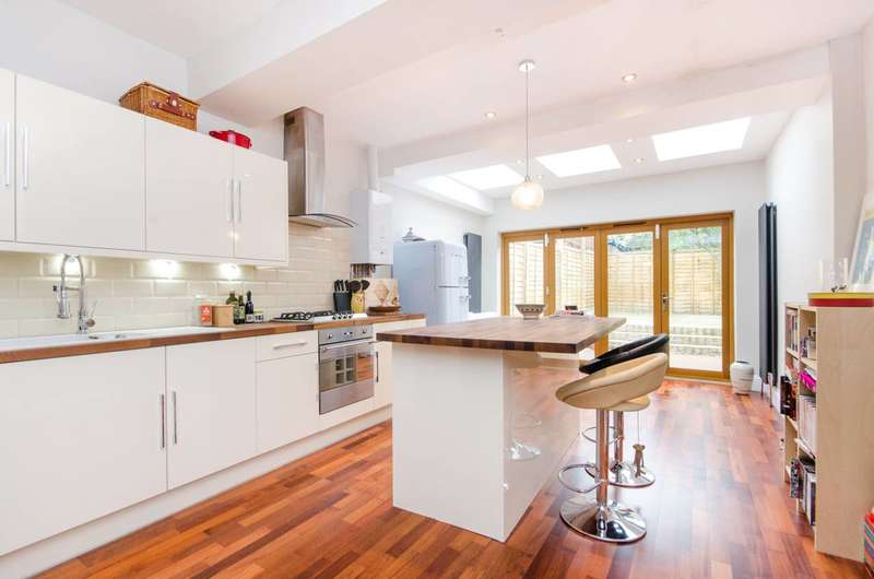 2 Bedrooms House for sale in Northborough Road, Norbury, SW16