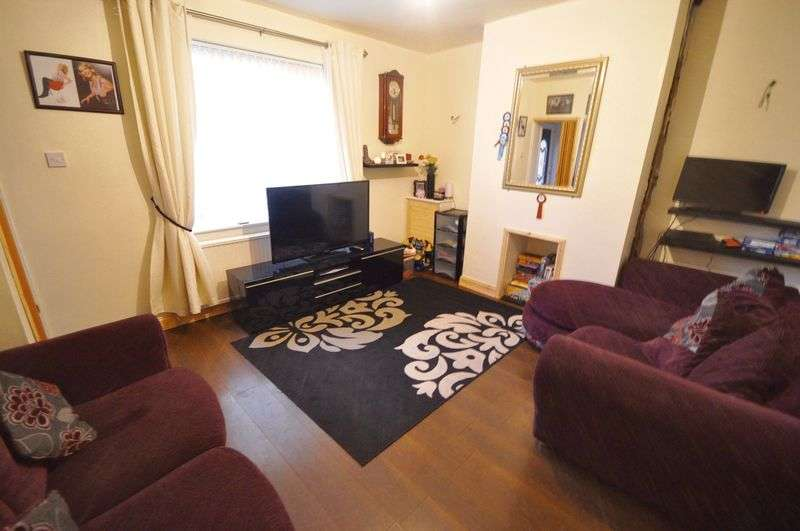 3 Bedrooms Terraced House for sale in Kirkstall Avenue, Heywood