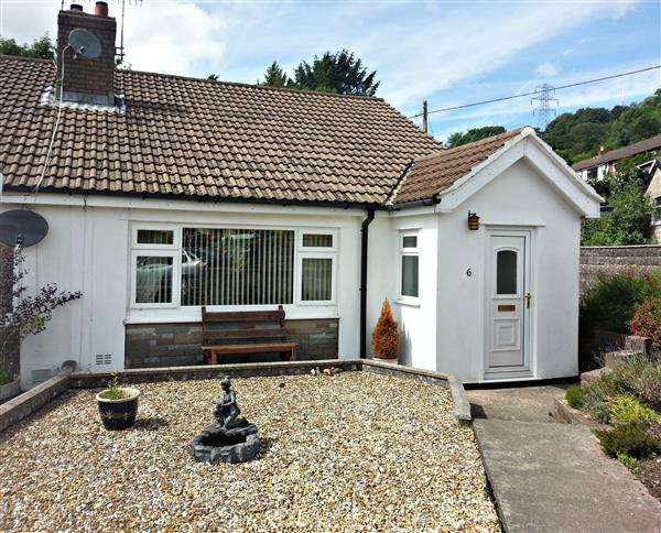 2 Bedrooms Bungalow for sale in Moorland Heights, Pontypridd