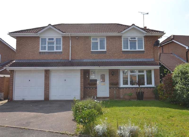 5 Bedrooms Detached House for sale in Fennel Drive, Stafford