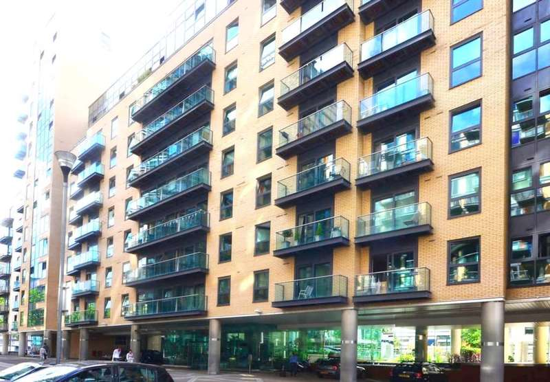 2 Bedrooms Apartment Flat for sale in Milhourbour, London