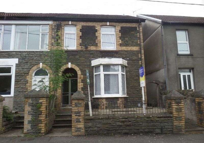 4 Bedrooms Semi Detached House for sale in Llantwit Road, Treforest, Pontypridd, CF37 1TY