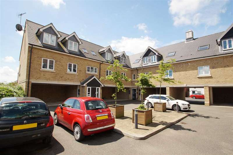 2 Bedrooms Apartment Flat for sale in Wheelwright Place, Off Nayland Road, Mile End, Colchester