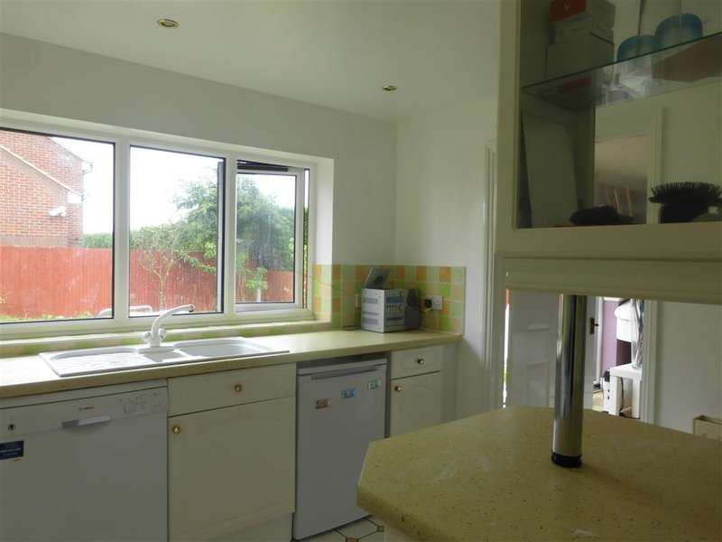 3 Bedrooms Detached House for sale in Northwood Road, Broadstairs, Kent