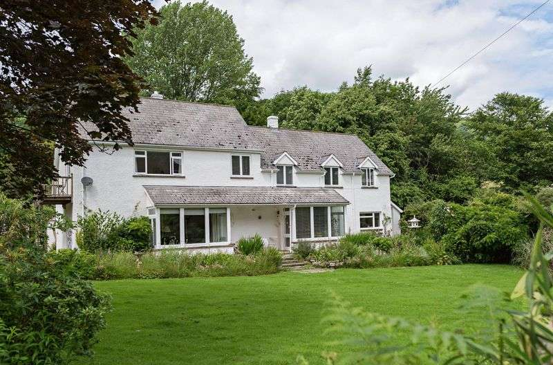 5 Bedrooms Detached House for sale in Llanbedr, Crickhowell.