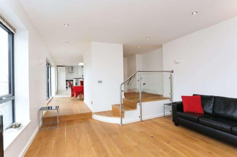 3 Bedrooms Property for sale in Webber Street, London