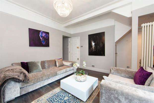 2 Bedrooms House for sale in Rigault Road, London, SW6