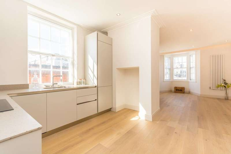 2 Bedrooms Flat for sale in Chalfont Court, Marylebone, NW1