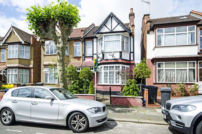 2 Bedrooms Flat for sale in Audley Road, Hendon, NW4