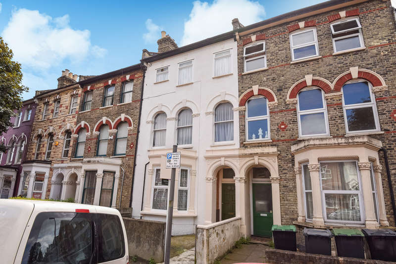 2 Bedrooms Ground Flat for sale in Hampden Road, Harringay