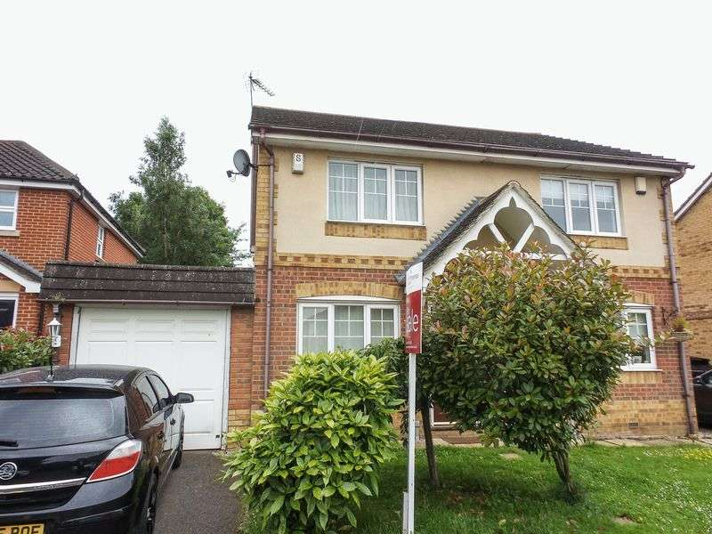 2 Bedrooms Semi Detached House for sale in Kestrel Grove, Rayleigh