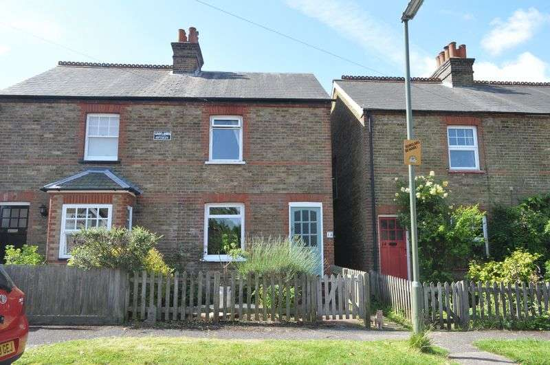 3 Bedrooms Semi Detached House for sale in Gladstone Road, Ashtead