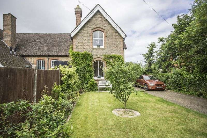 3 Bedrooms Semi Detached House for sale in London Road, Handcross