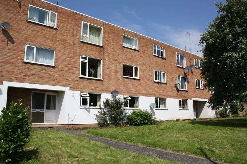 2 Bedrooms Flat for sale in Farleigh Road, Pershore